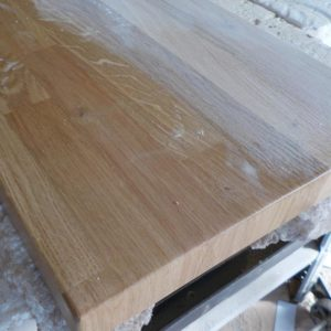 we sanded the oak wood countertop with grit 320 sandpaper, after the polyurethane primer has dried