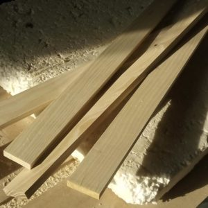 the ash boards of 4 cm width and 2 cm thickness needed for the frame of the mirror