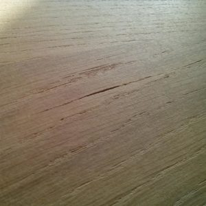 the wood cracks are filled with knife putty