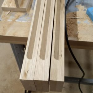 I finished milling the channels of the three modules of the stratified oak wood modern light fixture