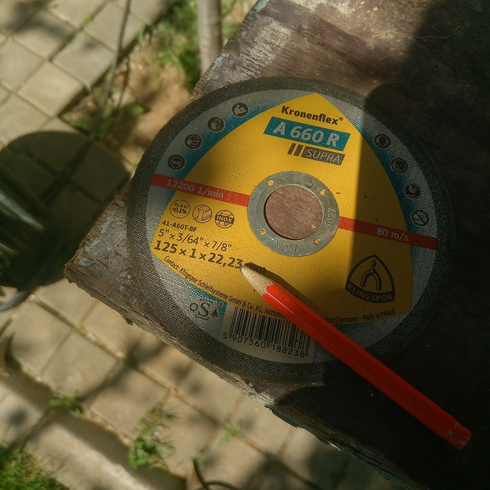 angle grinder disk used to trace the rounded corners