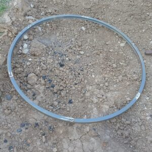 the 96 cm round metal frame needed to make a round garden table