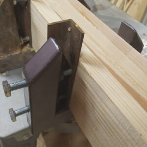 the clamping system for laminating wood boards consists of custom made double c clamps