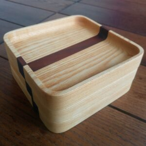 by using the plywood template, all our diy wooden trays have the same sizes