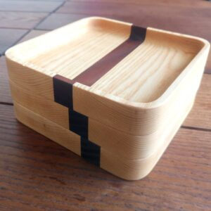 the round outer corners details of the wooden trays