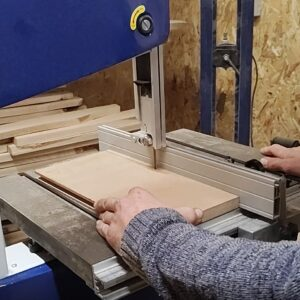 I cut an 8 mm thick MDF strip to glue it into the routed channels in the edges of the boards