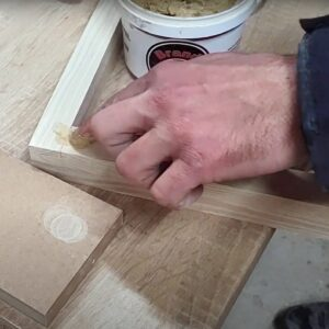 i filled the remained spaces at the corners with wood putty