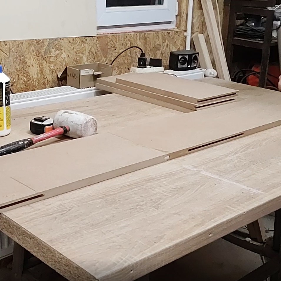 this is a quickly method to join two MDF boards on edges
