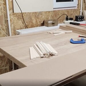 I cut the 8 mm thick plywood strips to make several MDF joints for our project