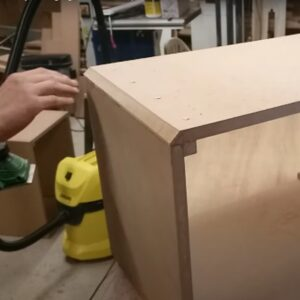we cut more material from the outer corners keeping the electric planer in the same position