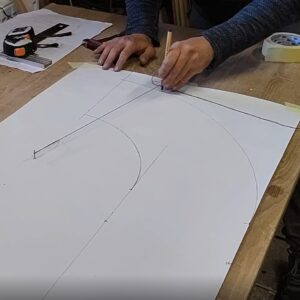 we used a nail, a thread and a pencil to draw the curvature templates for the R and D letters bookcases